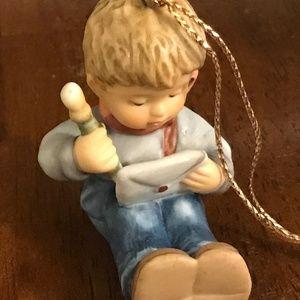 Hummel figurine Christmas ornament little boy sitt